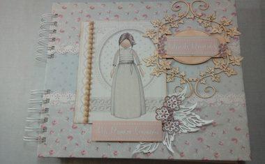 Libro de Firmas y álbum de Mi Primera Comunión para niña